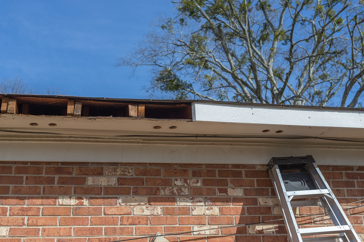 5 Signs It S Time To Install A New Gutter System Findlay
