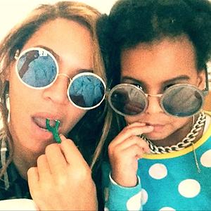 BeyonceMakesFlossingaFamilyAffair