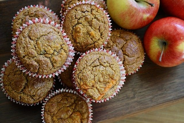 https://pixabay.com/en/muffin-apple-carrot-homemade-1390368/