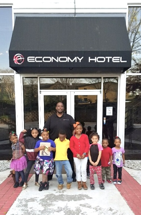 Economy Hotel, Marietta, Hosts After School Program