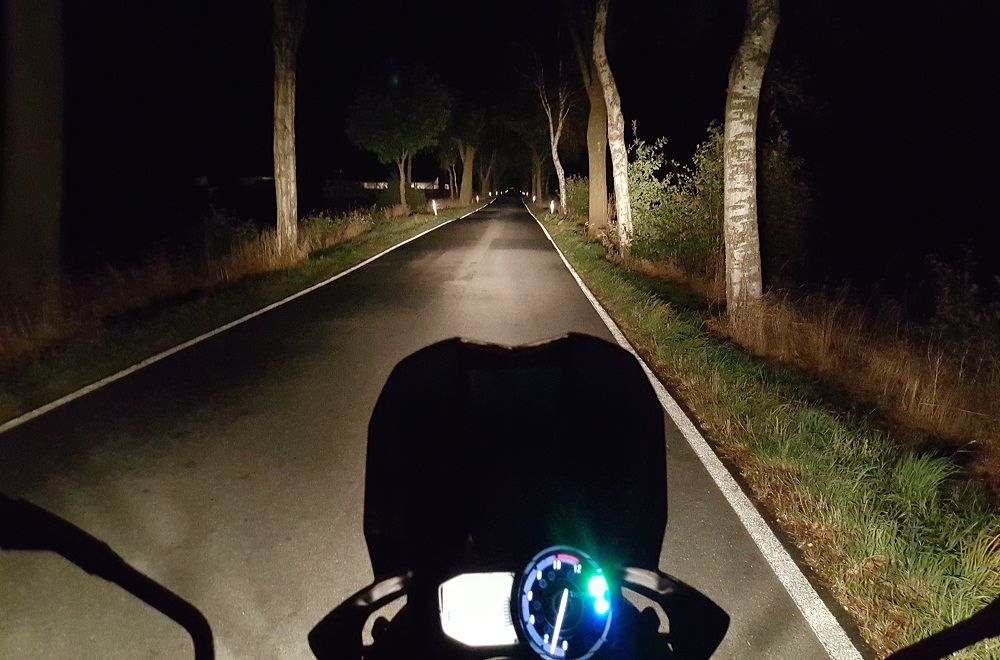 5 Useful Tips for Driving Safe at Night