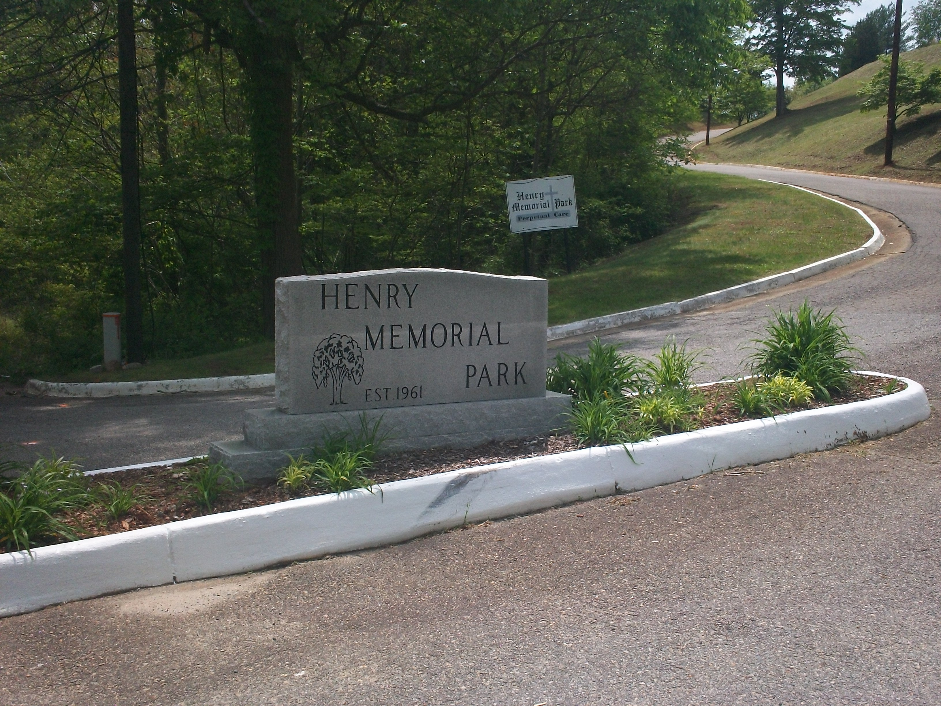 Henry Memorial Park cemetery in Virginia