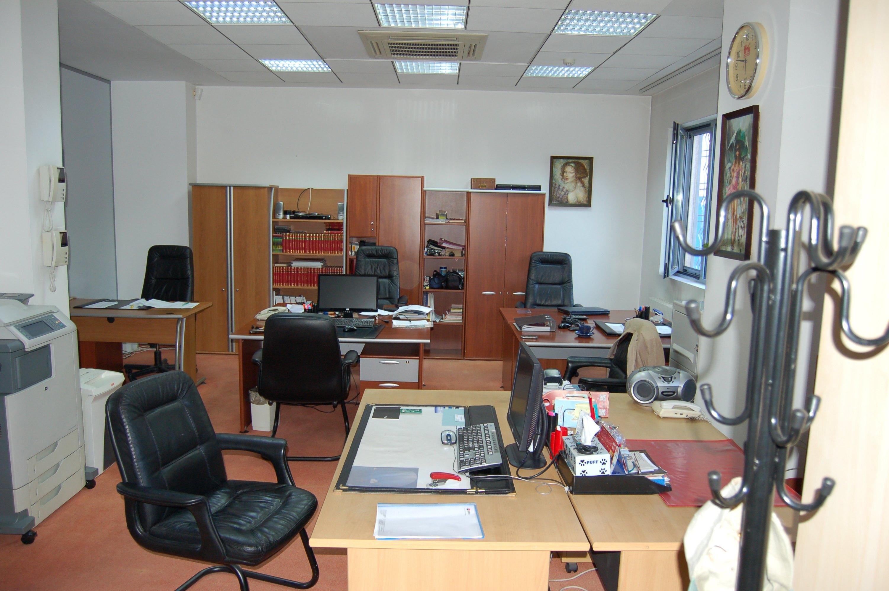 How a clean office helps clients and employees alike for Zerorez hardwood floors