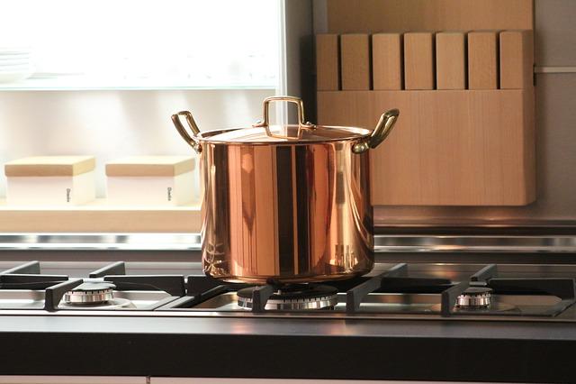 make pots and pans shineg